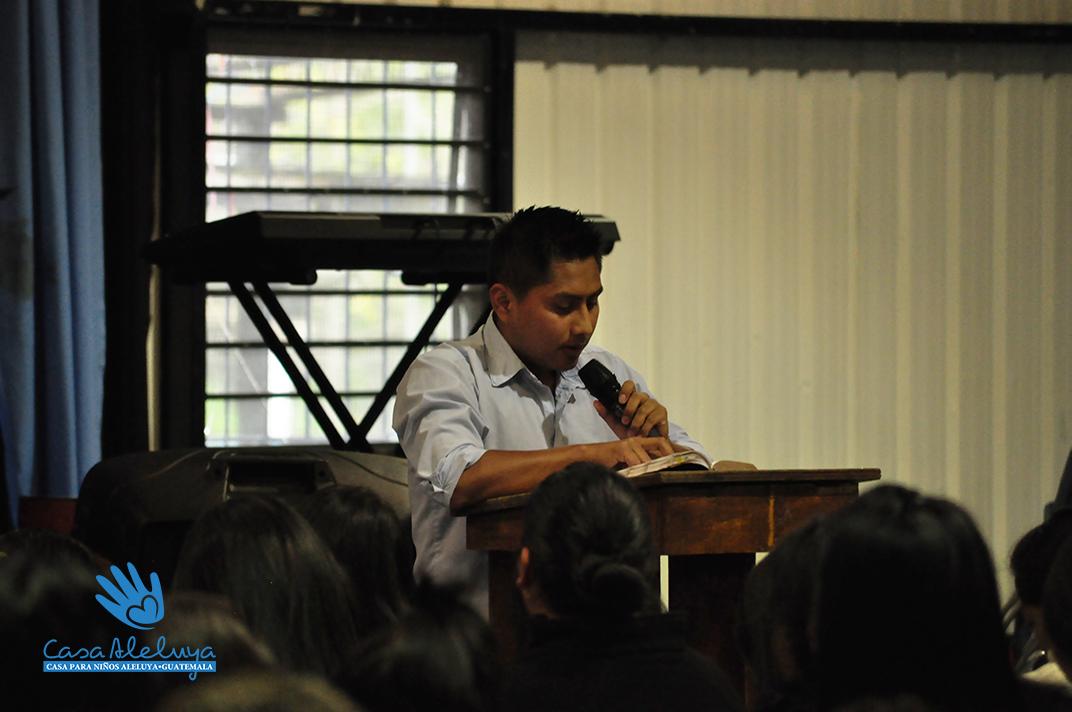 Ezdras preaching